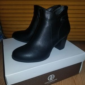 Giani Bernini Memory Foam Black Booties